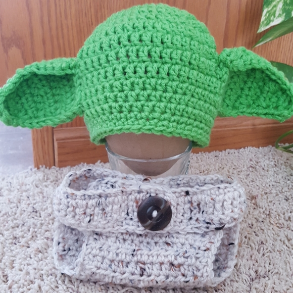Star Wars Yoda Hand Knit Hat and Diaper Cover Set for Babies 0-6 Months